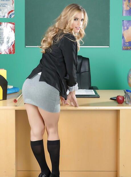 Schoolgirls Ass Pics