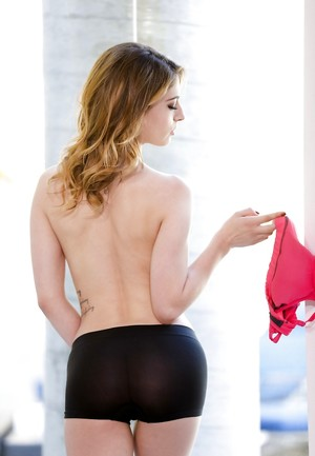 Coed Huge Ass Pics