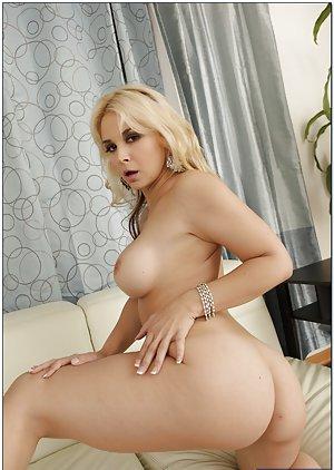 Huge Ass Tits Pics